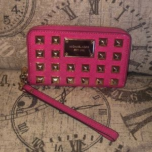 Price is NOT Firm-Michael Kors PYRAMID Wallet